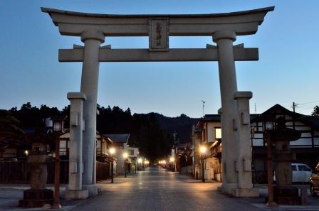 AIMYの活動拠点となっているicho cafeがある「東北の伊勢」熊野大社の参道